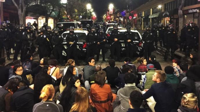 AP_Berkeley_protests_bc_141208_16x9_992